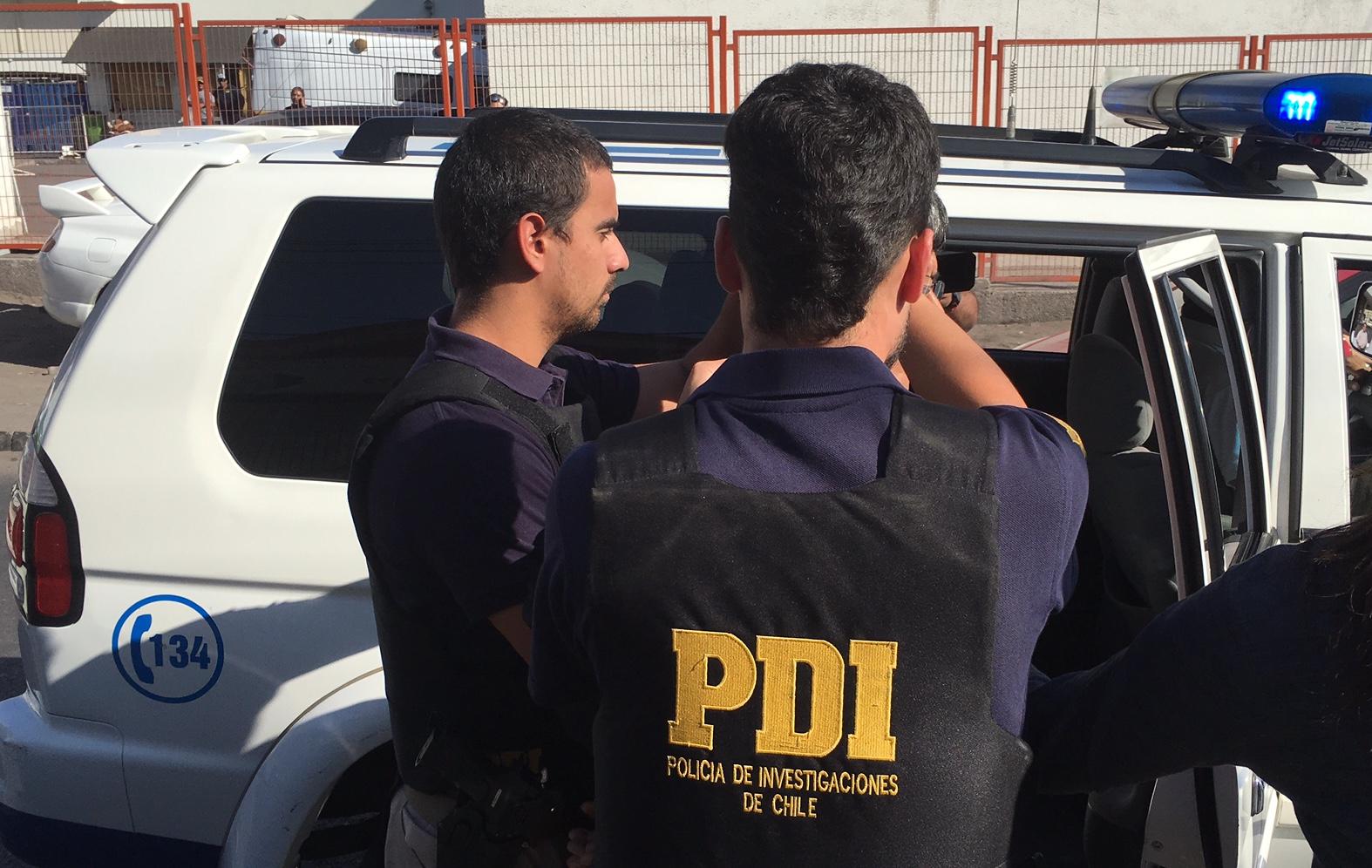 Photo of PDI detiene a 30 personas en operativo especial