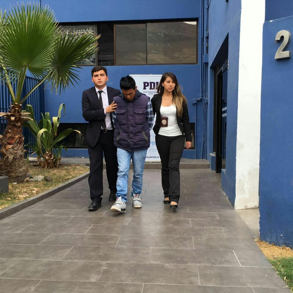 Photo of Homicida de joven hospiciano quería escapar de la PDI disfrazado con peluca y lentes