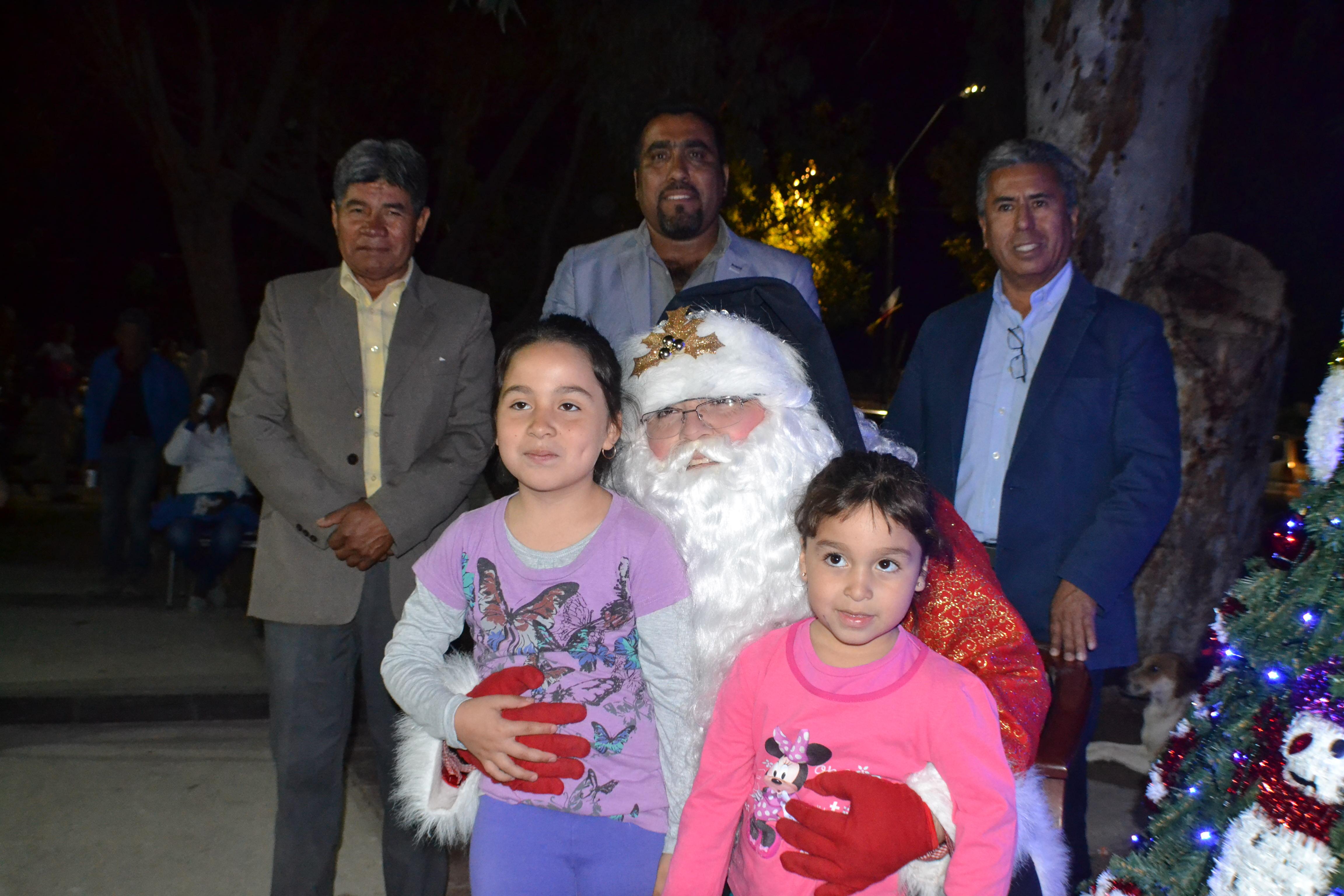 Photo of Niños de la Pampa del Tamarugal disfrutaron de fiesta navideña