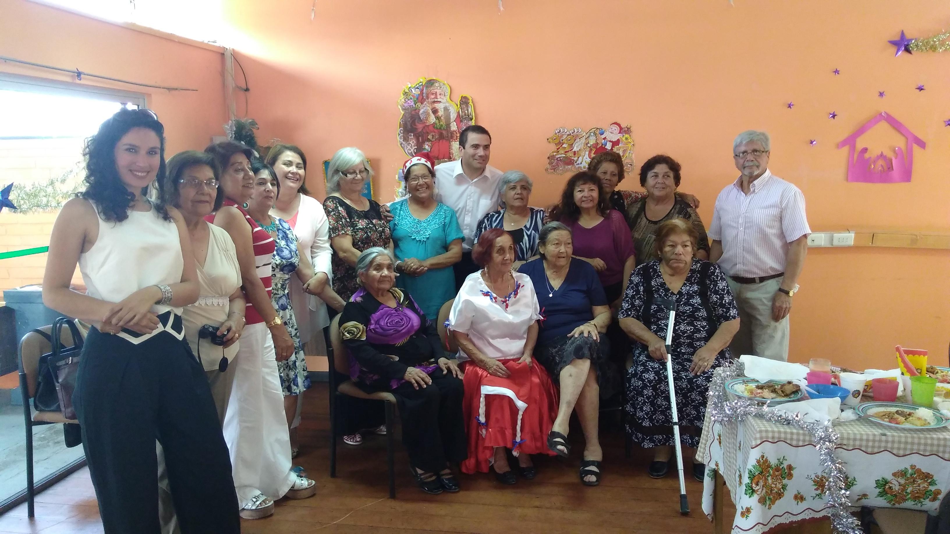 Photo of Adultos mayores celebraron chocolatada Navidad en Alto Hospicio