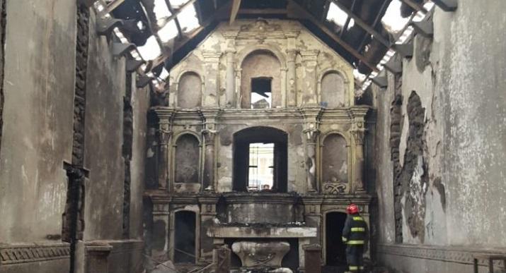 Photo of Casi 400 años de historia fueron destruidos con el incendio de la iglesia de Mamiña