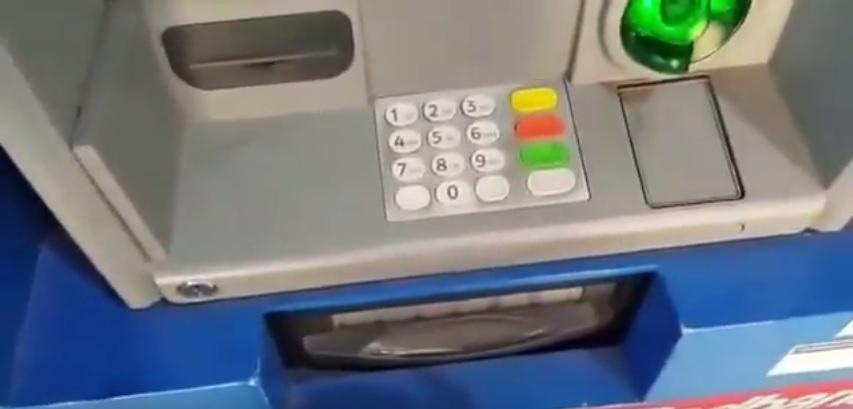 Photo of (Video) Siga estos consejos para que no le clonen su tarjeta bancaria y le roben su dinero