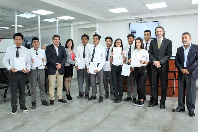 Photo of Mil 300 alumnos reciben capacitación en seguridad y construcción minera gracias a programa SENCE