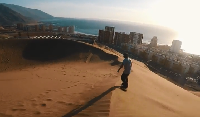 Photo of (VIDEO) Página especializada en viajes y turismo destaca práctica de sandboard en la duna del Cerro Dragón