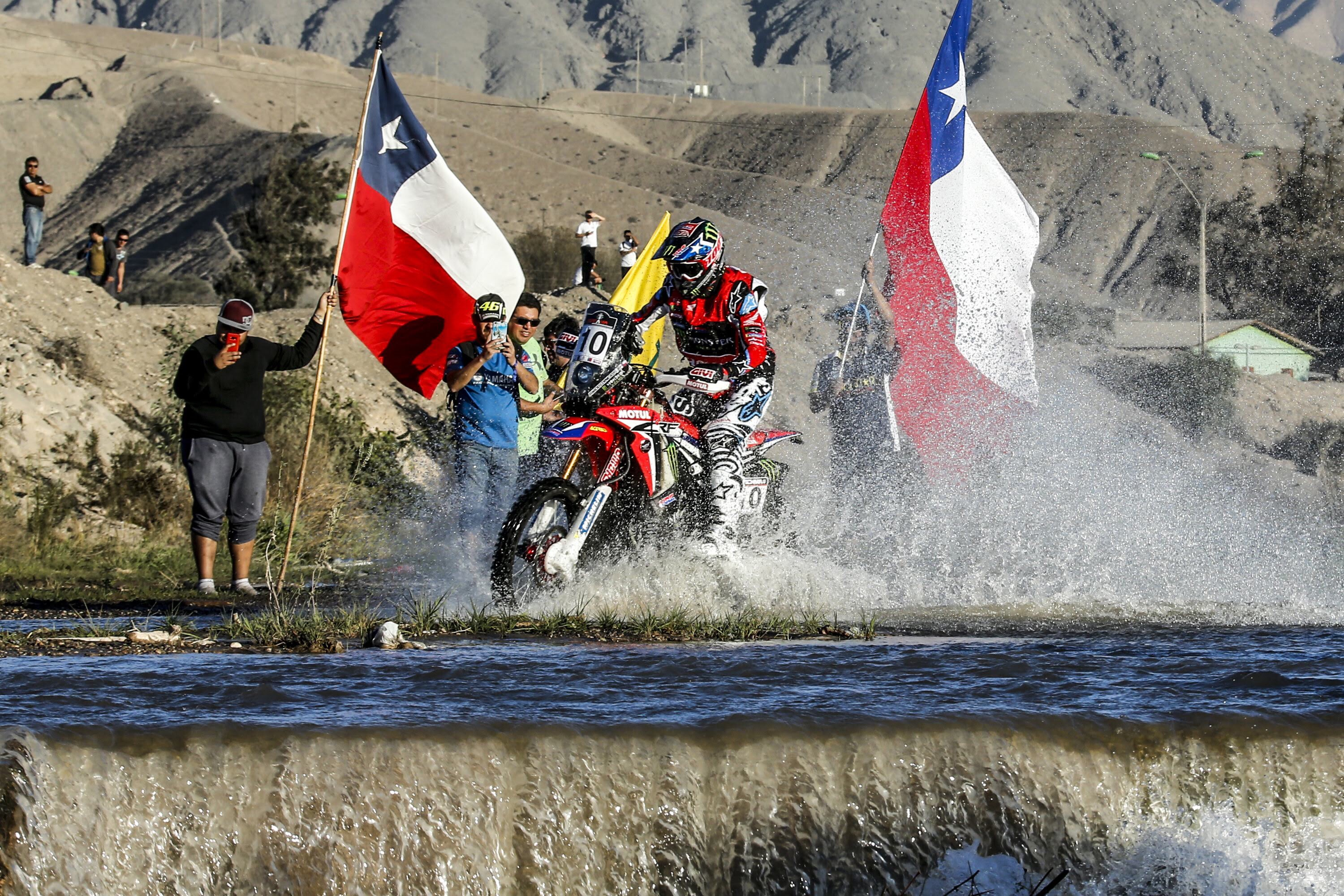 "Photo of Motociclismo: ""Nacho"" Cornejo se mete en el top ten del Rally Atacama"
