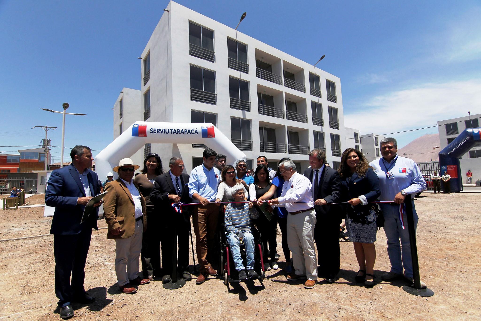 Photo of 64 familias felices con sus nuevos departamentos