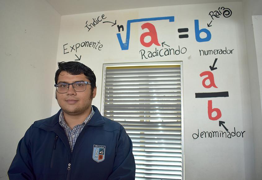 """Photo of Profesor Diego Valenzuela: """"El experimento de Eratóstenes es una forma de poder aplicar trigonometría en la vida real"""""""