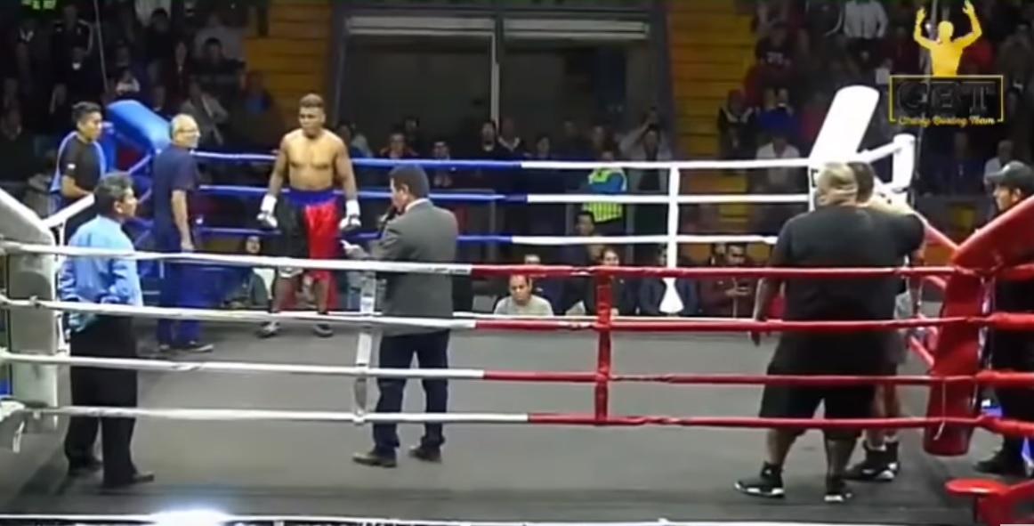 Photo of Boxeador boliviano grave tras combate en Pozo Almonte